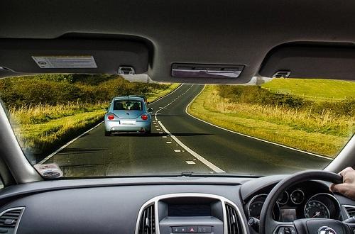 Perhatikan Tips Hadapi Turunan Tajam Saat Berkendara